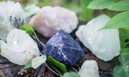 25 types of healing crystals