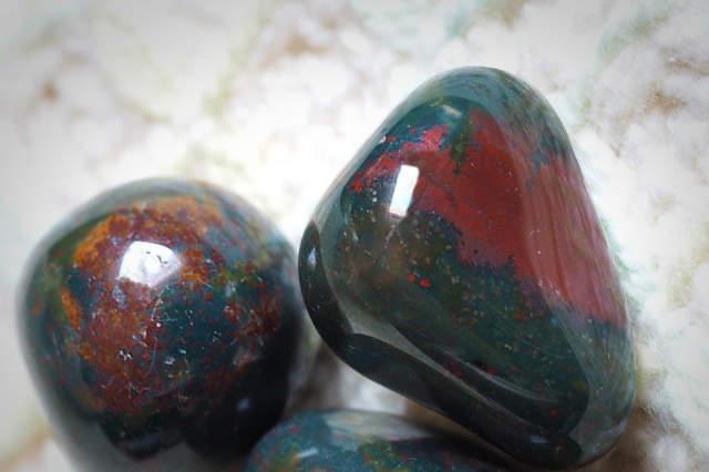bloostsone healing crystal