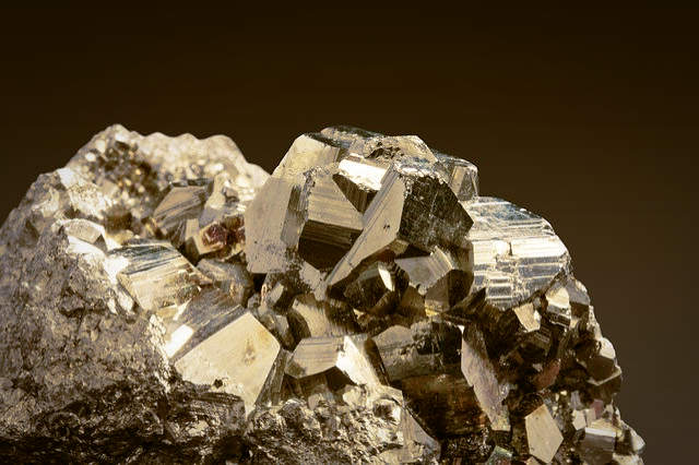 Pyrite crystals for healing